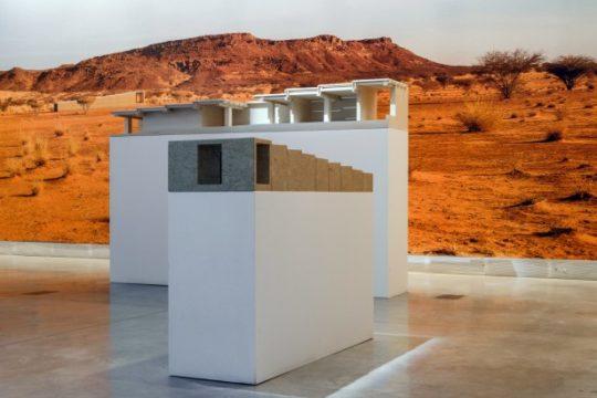Zwei Modelle des Naga-Museums auf der Architektur-Biennale