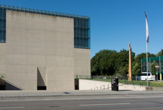 Portalwand des Ägyptischen Museum mit Eingang