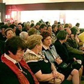 Rund 150 Gäste hatten sich am Sonntagmorgen zu den Eröffnungsvorträgen eingefunden.