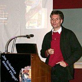 Dr. Thomas Staubli stellt das Projekt eines Bibel- und Orientmuseums in Fribourg/Schweiz vor.