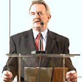 Als Hausherr begrüßte Dr. Hans-Rainer Förger, der Schatzmeister des Vereins, die zahlreich erschienenen Gäste: Rund 350 Mitglieder waren der Einladung gefolgt.