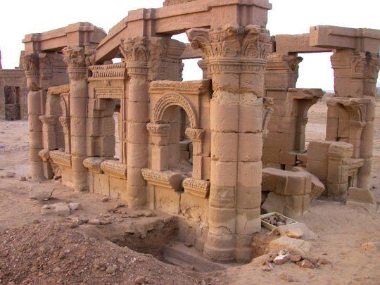 Sondage an der Hathor-Kapelle