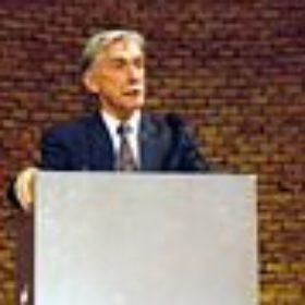 Redner Prof. Dietrich Wildung