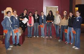 10 Mädchen erhalten Einblick in die Museumsarbeit