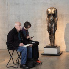 Zeichner im Museum