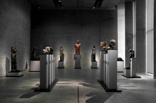 """Blick in Raum Kunst und Zeit """"Rom"""" (ägyptisierende Statuen)"""