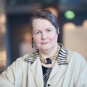 Frau Dr. Sylvia Schoske, Leitende Direktorin