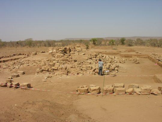 Tempel 1200 von Süden gesehen